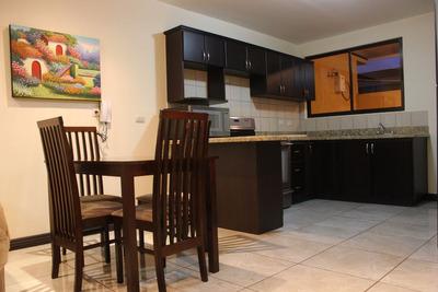 Alquiler De Apartamento En Residencial Antigua. 3 Ríos